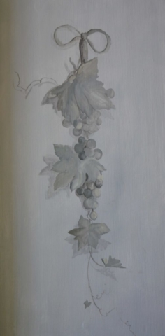 Décor painted on a door with grappes in grey colors. acrylic technic