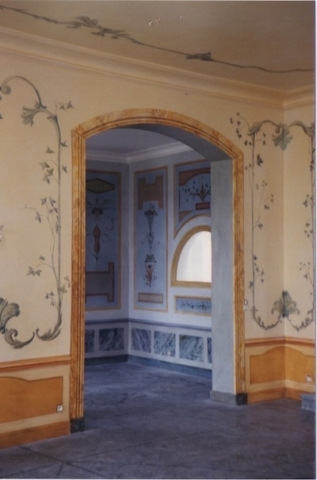 Murals painted on the walls and ceiling of a house in the Parcs of St Tropez, with 5 rooms. Décors inspired by Palladio