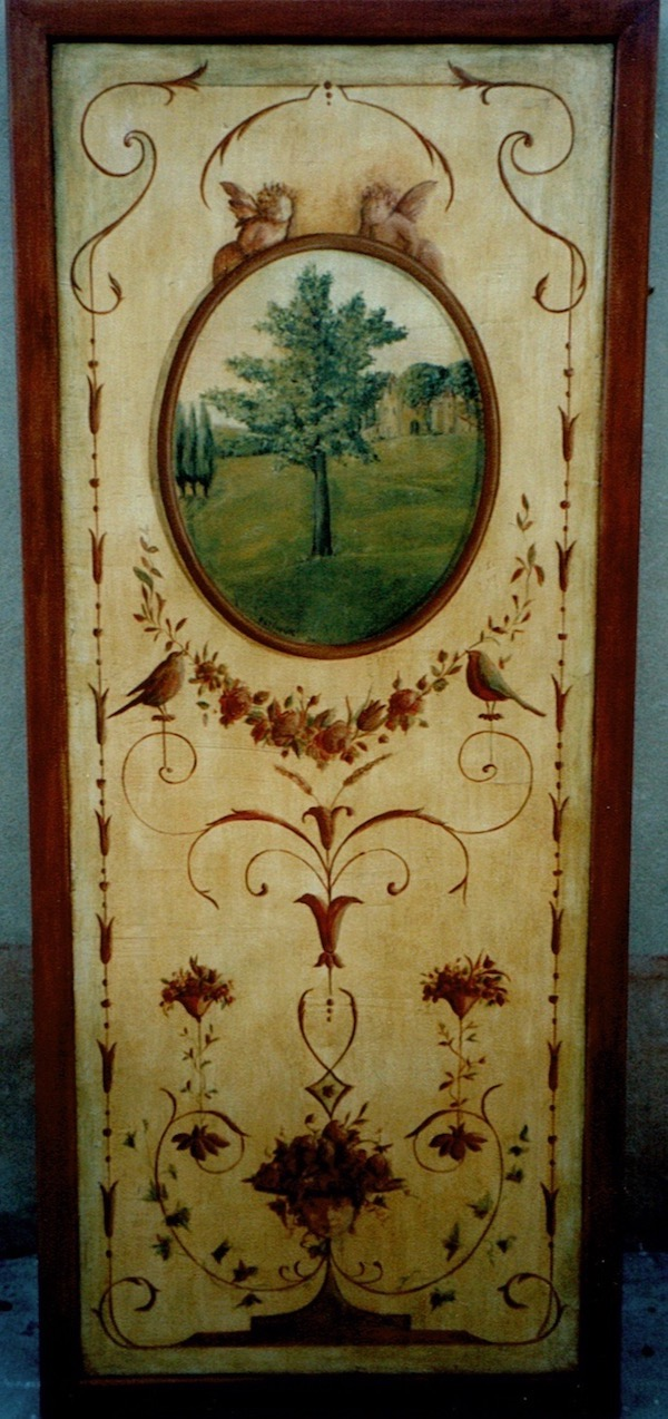 Ancient décor painted on wood panel with a landscape in a oval frame, with tempera technic.