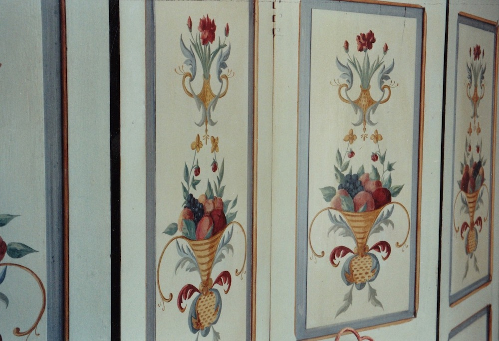 Inspired by ancient design. Décor painted on old screen with 6 panels. oil on wood